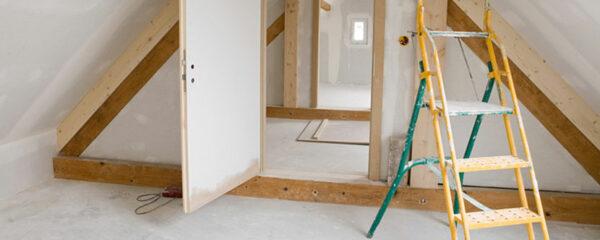 Installer un escalier escamotable en aluminium